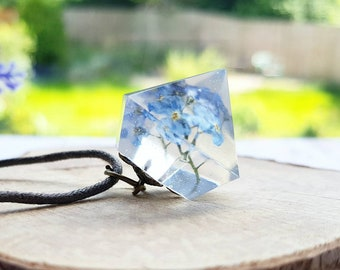 Botanical forget me nots jewellery, flower crystal pendant, resin jewelry gifts, forget me not necklace, something blue, wildflower present