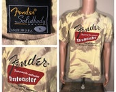 Vintage Fender Guitar t-shirt Stratocaster comfort contoured shirt adult size large all over print single stitch music tour