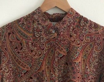 80s vintage paisley Pendleton silk like blouse top sweet collar light and lovely top small medium