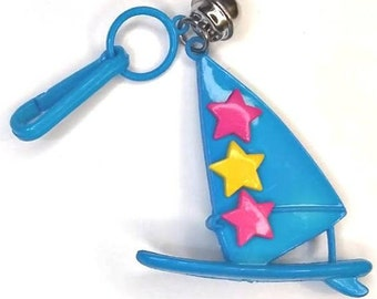 Vintage 80/'s Plastic Charm Bell Clip Charms Wind Surfing Surfboard Sailboat Blue