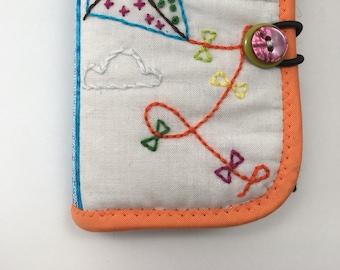Needle book/needle case/sewing needle case/sewing kit/sewing book/sewing case/embroidered needle book/embroidered needle case/needle holder