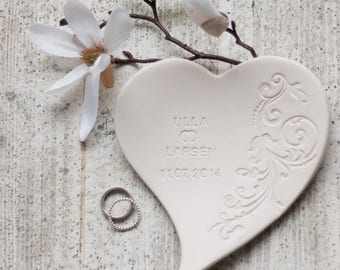 """Heart ring dish """"Great vine"""" with name & date"""