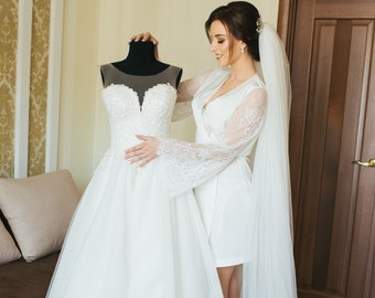 9bb669d91c3 Robe with lace sleeves