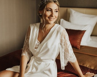 Bridal robe with lace sleeves, wedding robe, short lace sleeves, ivory dressing gown, brides lace robe, bridesmaid robe, bridal lingerie