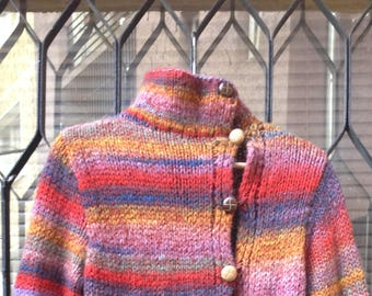 Cardigan in lovely colours, asymmetrical closure