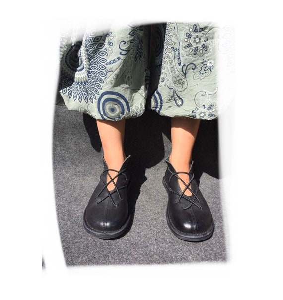 Trippen Vintage Shoe with Straps EU 39