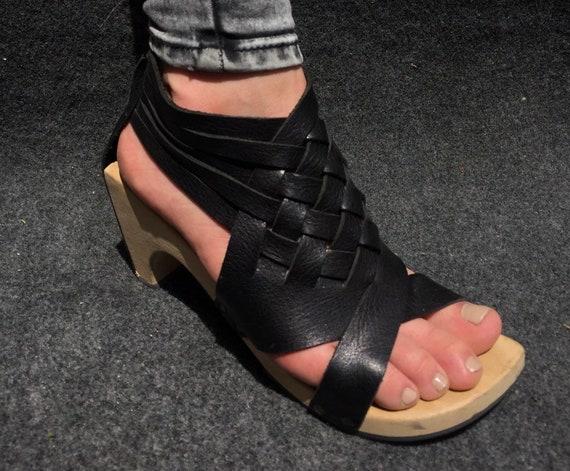Fabulous Wooden Sandals Trippen EU 37