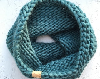 Super soft merino wool handknit cowl   adult size   choice of colours   chunky knit snood