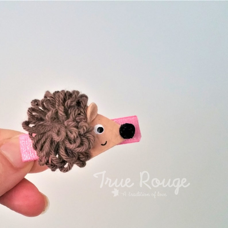 Nature-inspired itty-bitty  hedgehog hair Clips / pigtail image 0