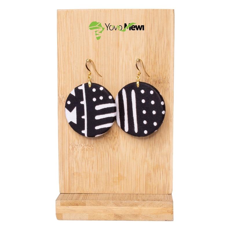 4.7cm 84 Diam round earring wax BOGOLAN black white fabric No