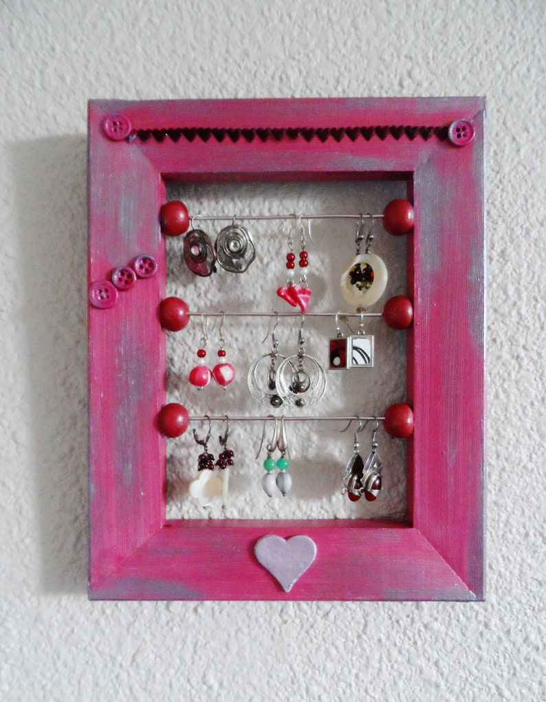 Hearts for pierced ears pattern pink wall jewelry holder image 0