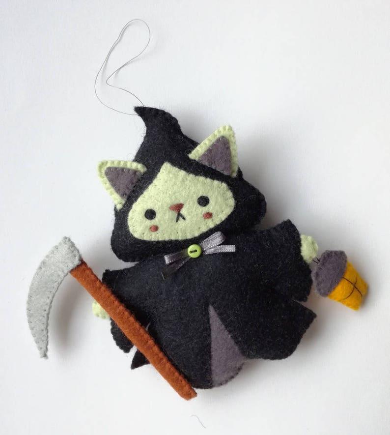 Felt PDF sewing pattern - Grim Reapurr - Halloween ornament, grim reaper,  cute halloween cat ornament