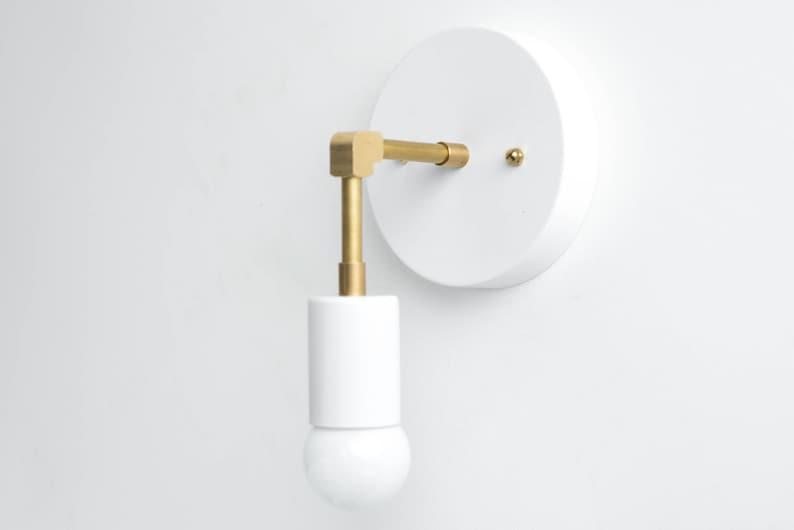 Applique minimaliste mur blanc light en laiton brut etsy