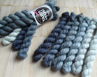 100% SW merino singles - Hand dyed wool yarn - Fingering Weight - Yarntoyou - mini skeins - SKINNY MERINO minis - Jeans Collection