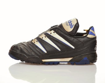 c4ef1f55bd2 90s adidas Soccer Shoes boots model  Questra    size us 7.5