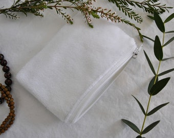 Soft white pouch / / treasure pouch / / white zipper / / minimalist / / lined / / Spring collection