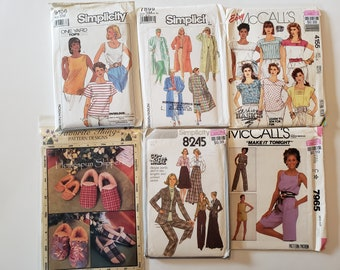 Lot of Vintage Sewing Patterns, McCalls, Simplicity 10, 12, Womens Dress Tops Skirt Shorts Jacket Pants UNCUT Patterns