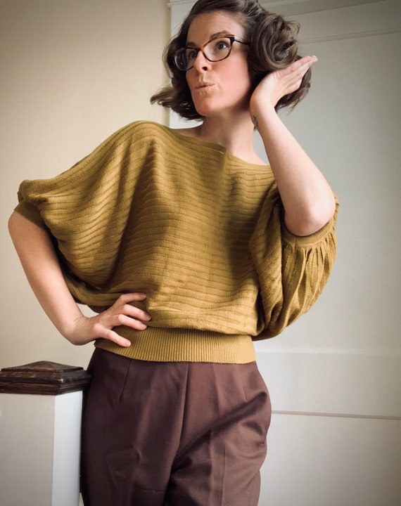 Olive Green Batwing Sweater Vintage 80s does 30s