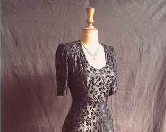 Golden Age of Hollywood 1930s metallic crepe gown