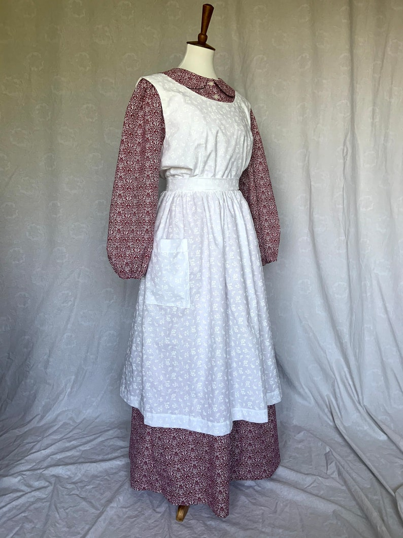 Cottagecore Clothing, Soft Aesthetic Full Apron Pinafore in Calico Prints Made to Order $51.00 AT vintagedancer.com