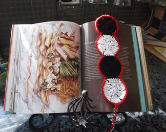 HANDMADE CROCHET BOOKMARKER in the sundial pattern