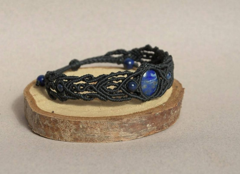 Bracelet with Lapis Lazuli Macram\u00e9 Boh\u00e9me Jewelry Lapis Lazuli Micro Macram\u00e9.