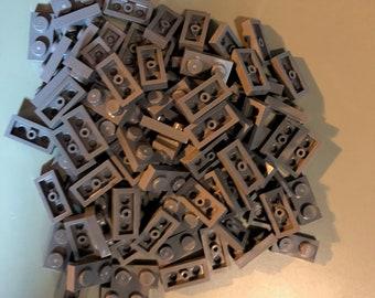 LEGO Lot of 4 White 1x2x5 Rolling Garage Door Groove Bricks