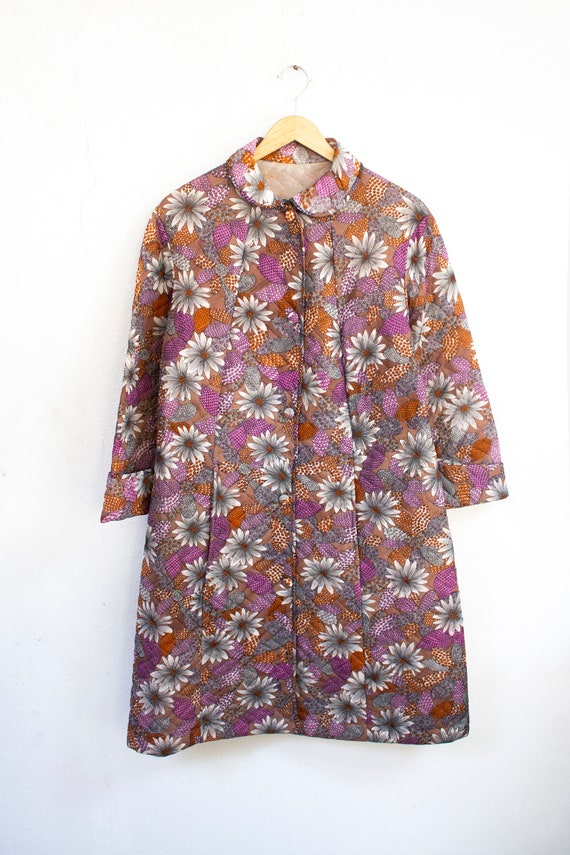 1960's quilted floral pattern dressing gown housec