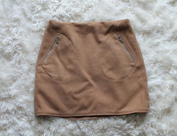 Vintage 90s Tan Mini Skirt | Nude Skirt 90s Does … - image 1
