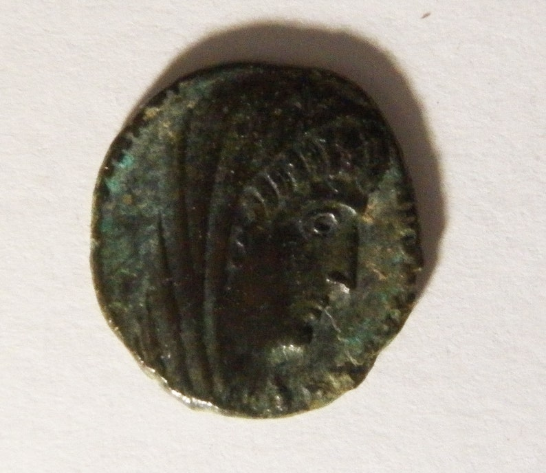 Bronze Prutah Hand of God Ancient coin, AE4 Constantinople Mint Constantine The Great Roman Bronze Roman Coin