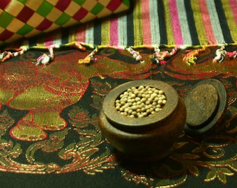 Organic kampot Pepper (White) from Cambodia, the full-flavoured spice of the ancient Khmer Empire