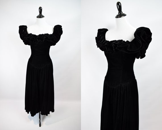 1980s Does 40s Style Black Velvet Gown // 1940s St
