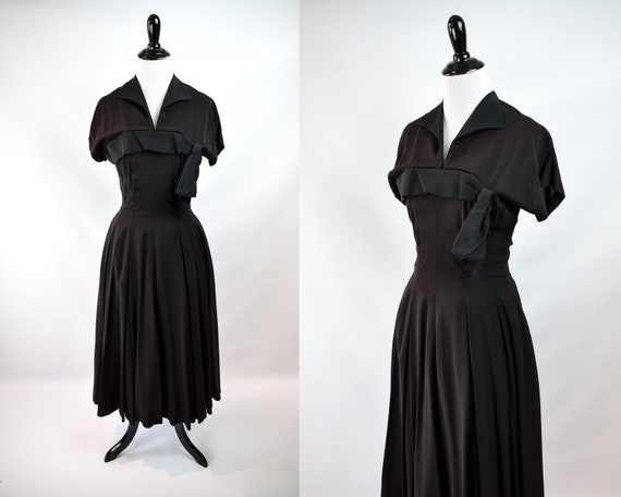 1940s Black Crepe Day Dress // 1940s Black Midi Dr