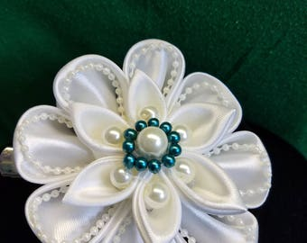 big, white hair clip, hair accesory, wedding accesory