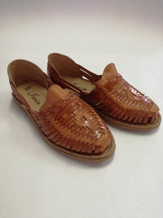 Huaraches for women, Mexican huaraches, mexican sandal, Handmade, leather.  Traditional Mexican Huarache. Made in Mexico.