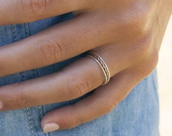 The elegant - 3 guitar string rings