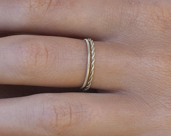 The delicate - 2 guitar string rings