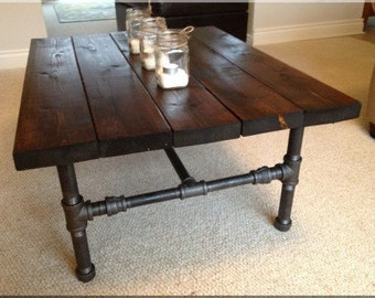 Incroyable Rustic Coffee Table Made With Industrial Pipe
