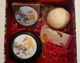 Bath and Body Gift Set, Spa Gift, Christmas Gift for Her, Gifts Under 20, Sugar Scrub Gift, Bath Gift Trio, Spa Set, Ready to Ship