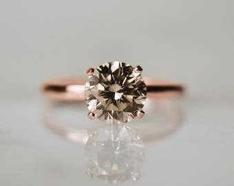 1 Carat (7mm) Round Brilliant in Light Champagne - Handcut Diamond Simulant in 4-prong 14kt Rose Gold Ring