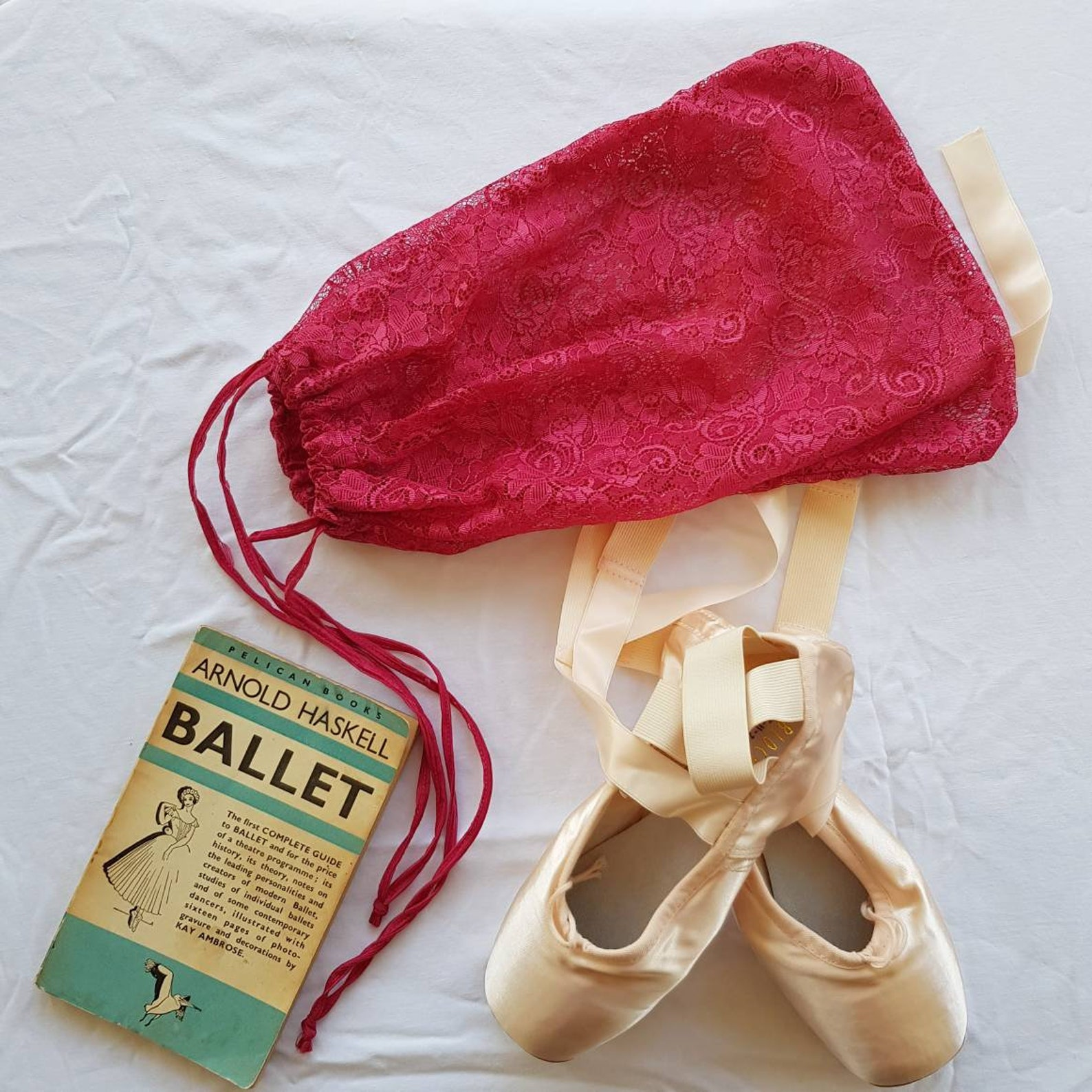 pointe shoe bag - ballet shoe bag - dance shoe bag - dance gift - ballet gift - small bag - gift for dancer - drawstring bag