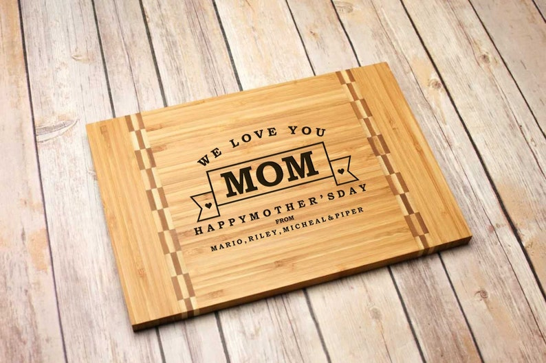 Christmas Housewarming Mothers Day Personalized Cutting Board Engraved Chopping ~ Gift for Grandma Mother/'s Day Banner Checkerboard