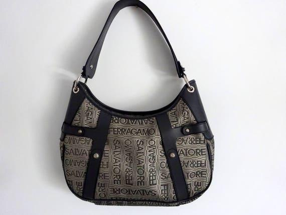 a489f2c79b62 Salvatore Ferragamo Bag Authentic Leather shoulder bag Vintage