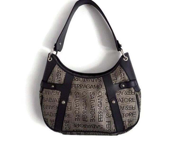 3dcfad74af Salvatore Ferragamo Bag Authentic Leather shoulder bag Vintage
