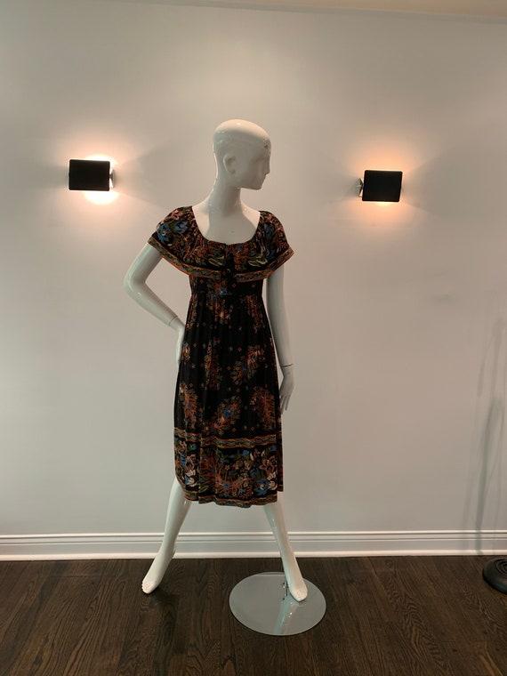 Vintage 1970s Floral Cotton Printed dress