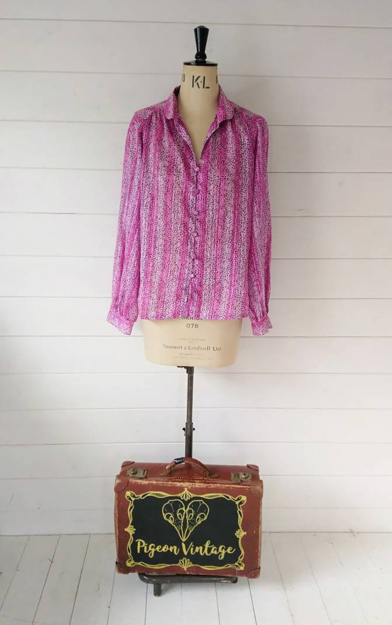 21fd1496e5956 Bonny Vintage Floral Blouse in Pinks and Purples Retro Womens