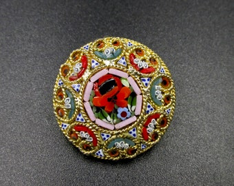 Vintage round brooch in Italian micromosaic on gold metal floral decoration