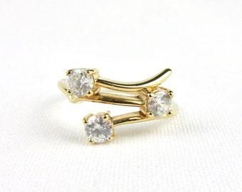 Women ring yellow gold sleek set CZ imitation diamonds T54