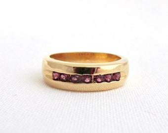 Yellow gold-plated ring and purple zirconium oxides set rail T 59