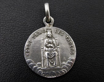 Former religious medal of French origin in silver pendant Notre Dame des Tables 1911